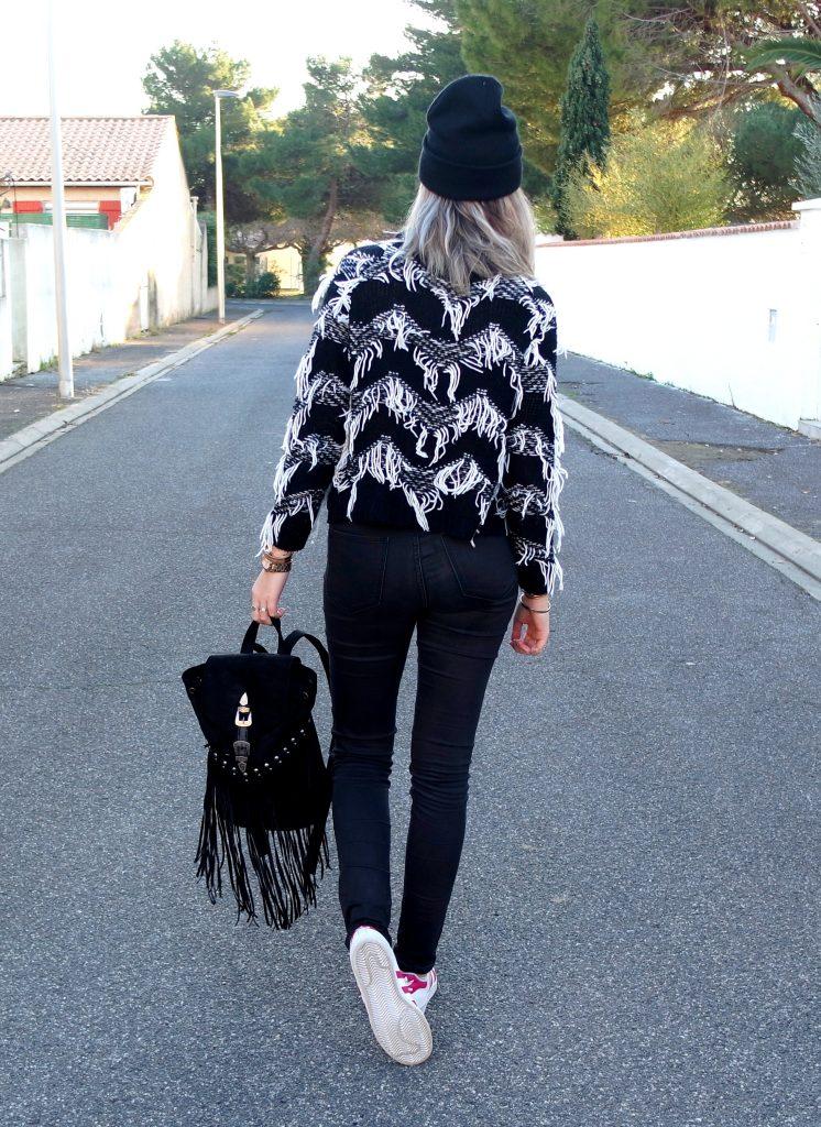 franges et sac à dos